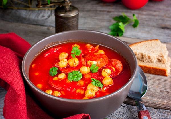 https://www.travellers-autobarn.co.nz/wp-content/uploads/2018/07/Chorizo-Chickpea-Stew.jpg