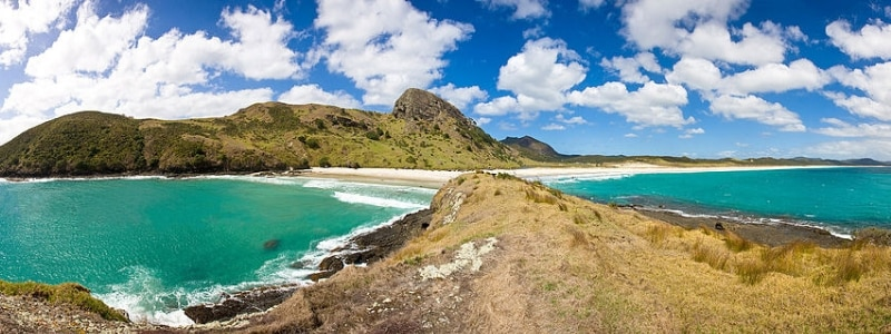 Located at the very left hand tip of the North Island, 6 hours north of Auckland. Known to have the best beach breaks on a sandy beach.